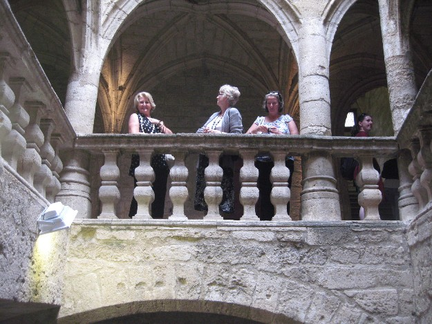 Some lovely guests from Florida having lunch in Pezenas during their Historical Tour