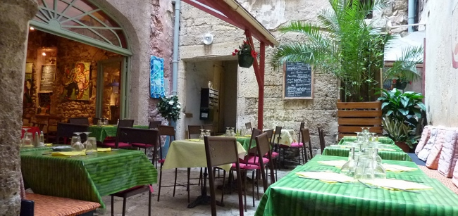 One of the many great restaurants in Pezenas