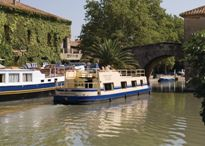 Cruising the world-famous Canal du Midi