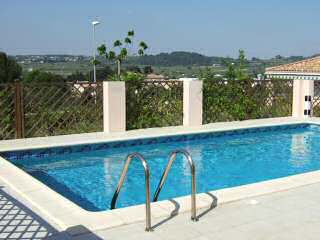 3-bedroomed villa with pool, Pezenas